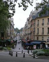 Rue de Satory, full of restaurants, highly recommendable