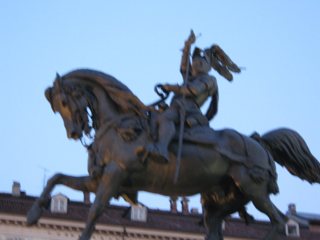 escultura en Piazza San Carlo