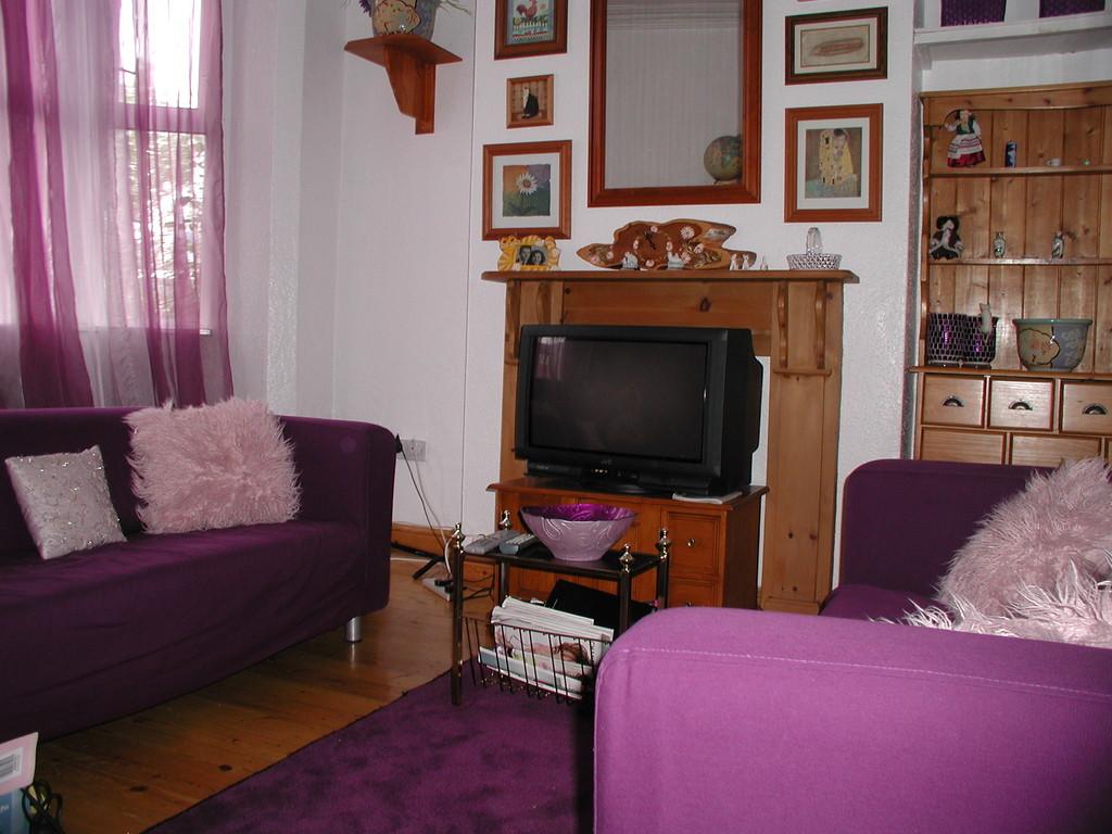 Alquiler de habitaciones grandes en casa compartida for Alquiler de casas grandes en sevilla