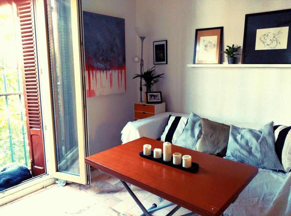 Luminosa habitaci n con cama doble en sevilla alquiler for Busco cuarto de alquiler