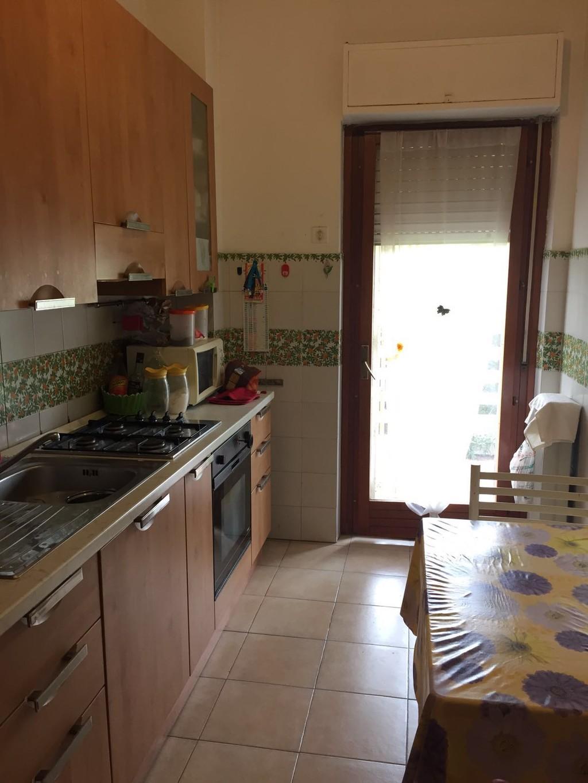 Camera matrimoniale anche uso singola con bagno privato stanza in affitto roma - Stanza con bagno privato roma ...