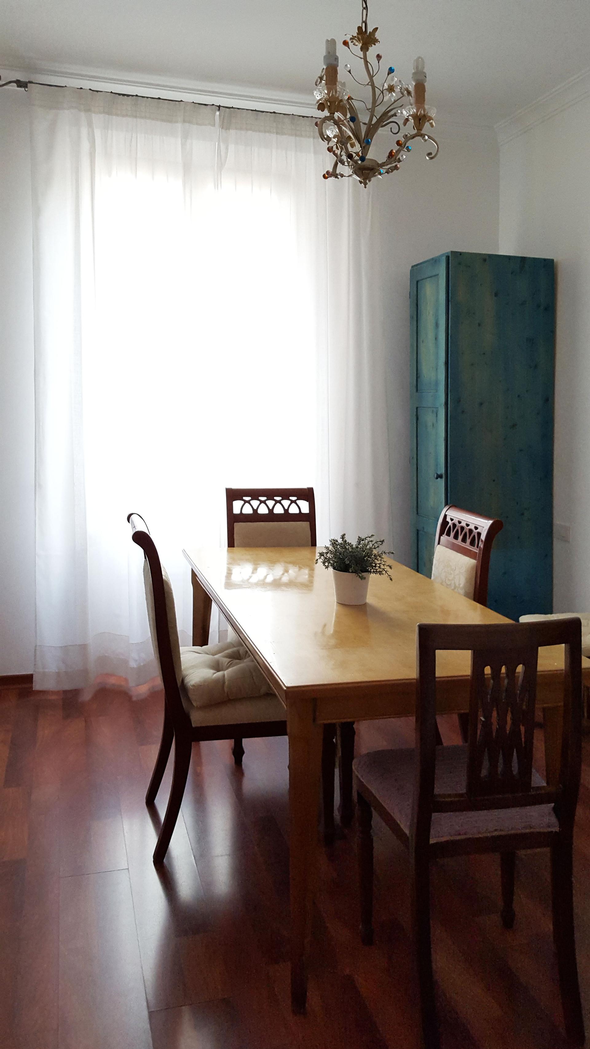 Camera stupende con bagno privato anche coppie stanza - Stanza con bagno privato roma ...