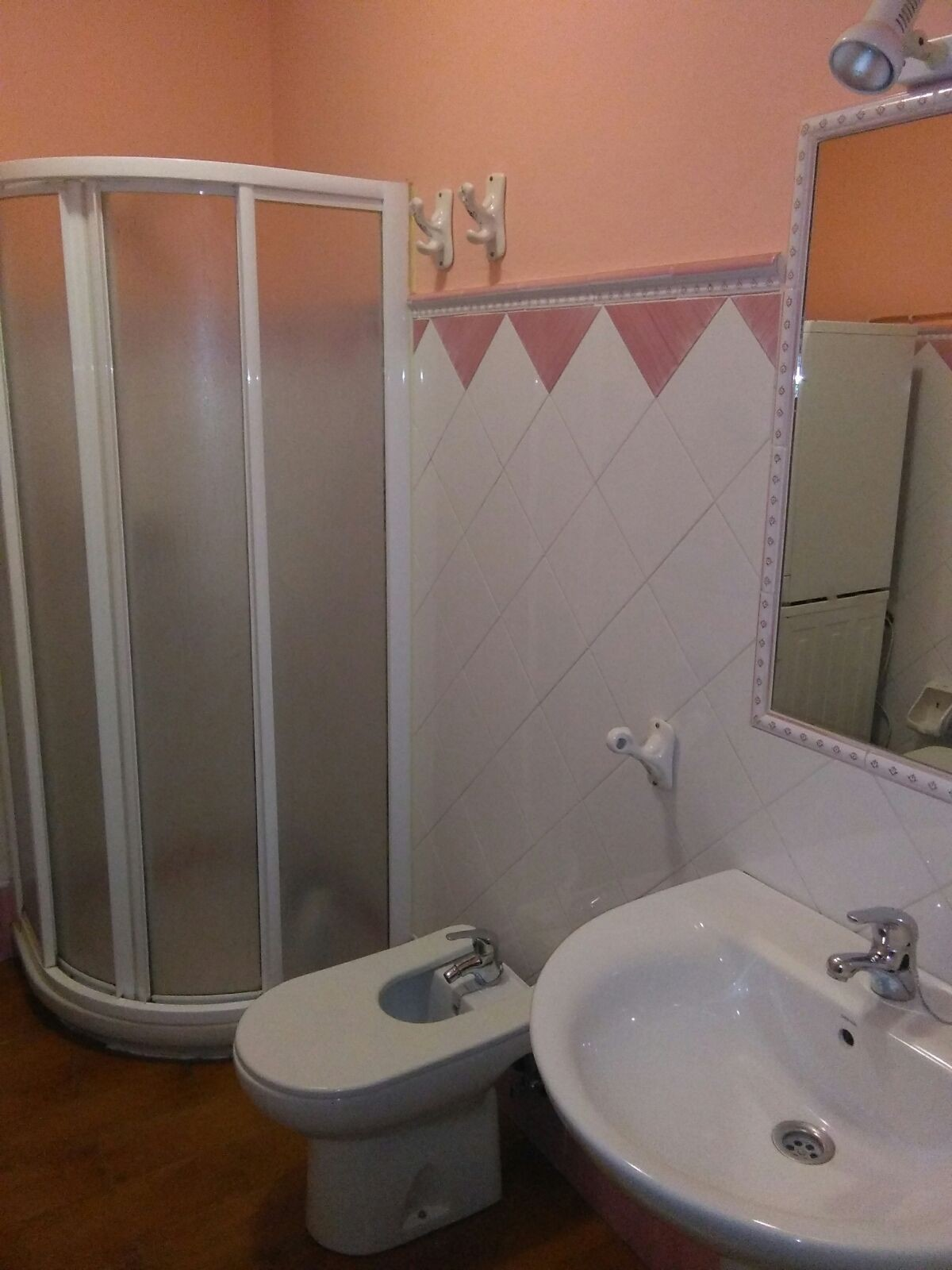 Compartir piso en los remedios alquiler habitaciones sevilla for Alquiler piso los remedios