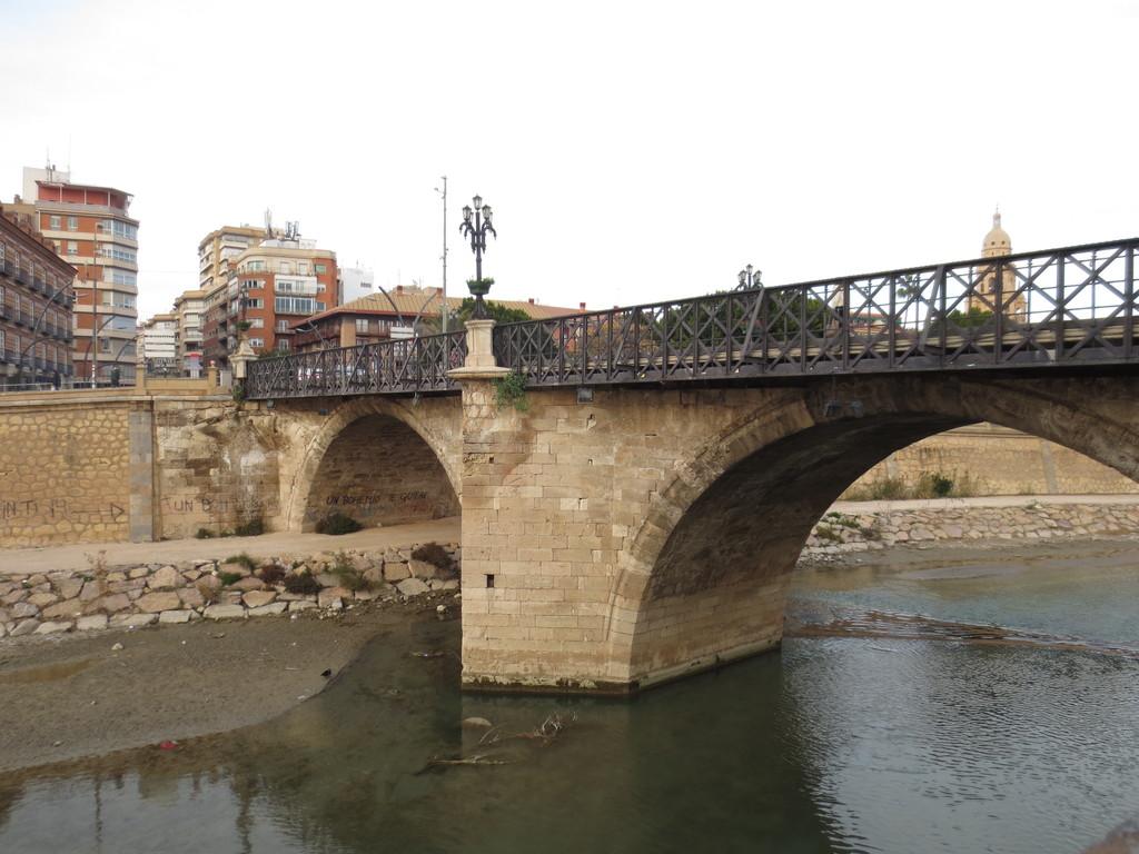 el-puente-de-peligros-3adbfa8064586cfdc4