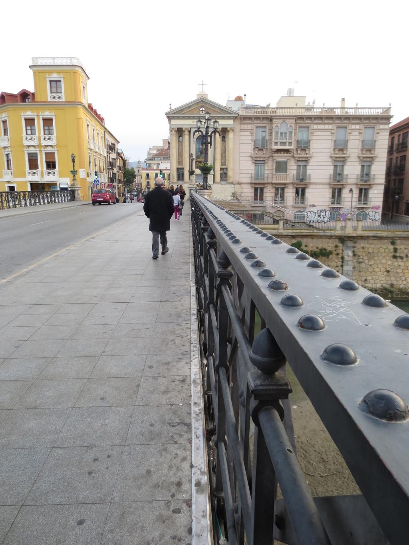 el-puente-de-peligros-83a916f5203b416826
