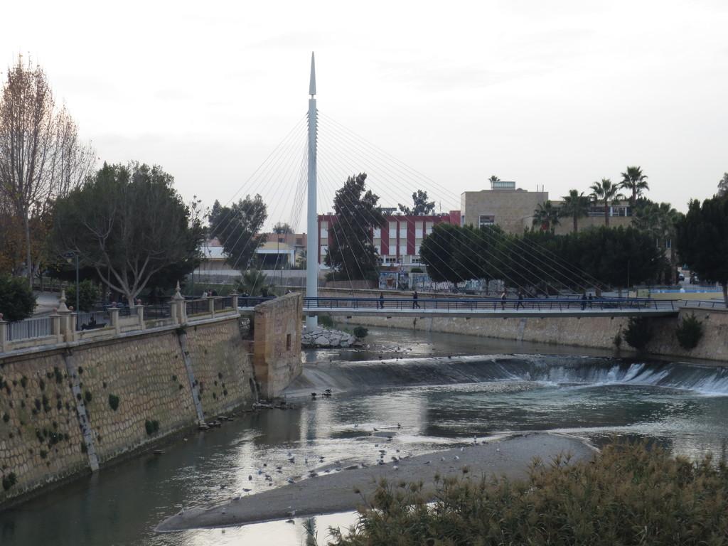 el-puente-de-peligros-f6e5bb172ec1246427