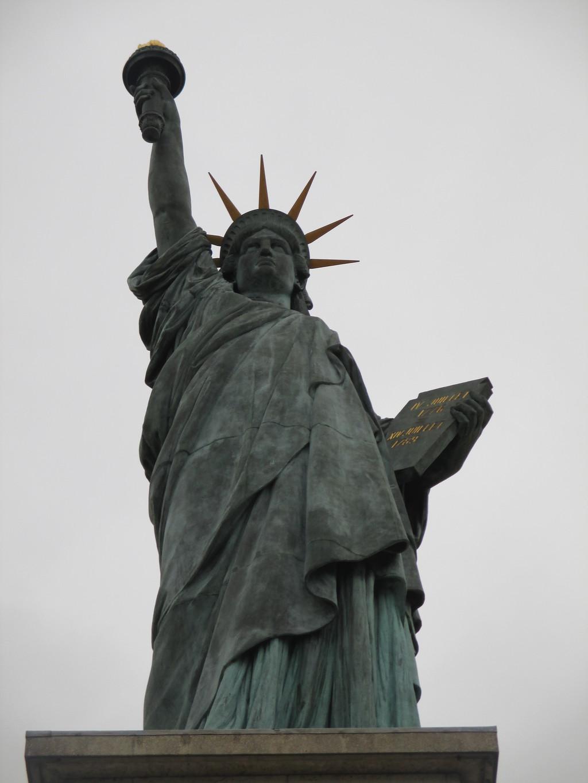 Estatua de la libertad de par s qu ver en par s for Interior estatua de la libertad