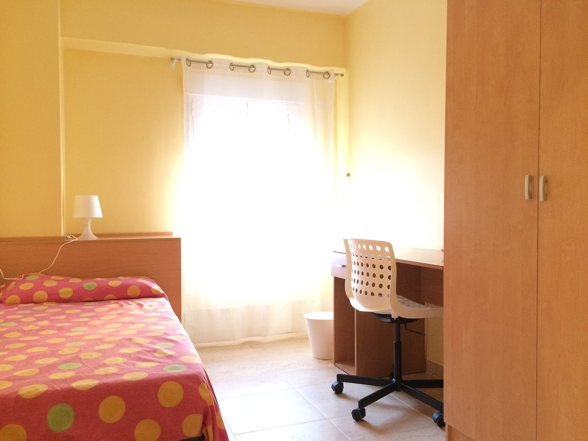 Habitaci n para chica estudiante alquiler habitaciones valencia - Loquo valencia alquiler habitacion ...