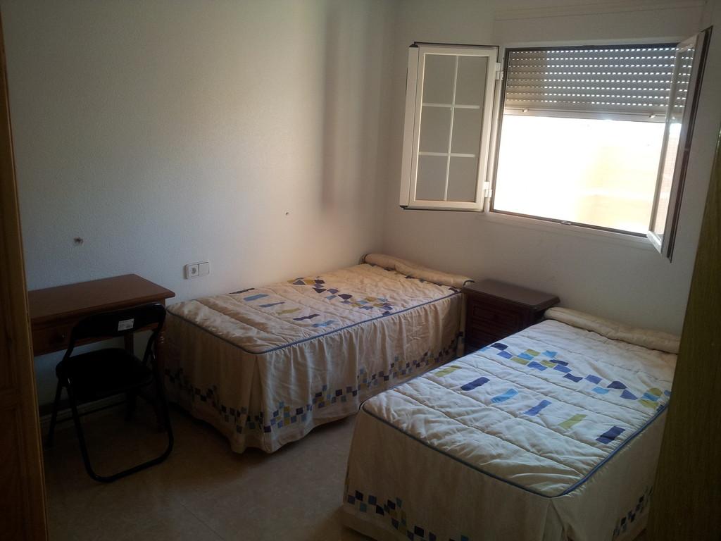 Habitacion alquiler de habitaciones en almeria : Habitacion de 25m cuadrados soleada : Alquiler ...