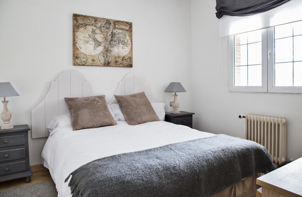 Baños Con Vestidor Incluido:Habitacion Doble Gris + baño en suite (Sólo chicas)