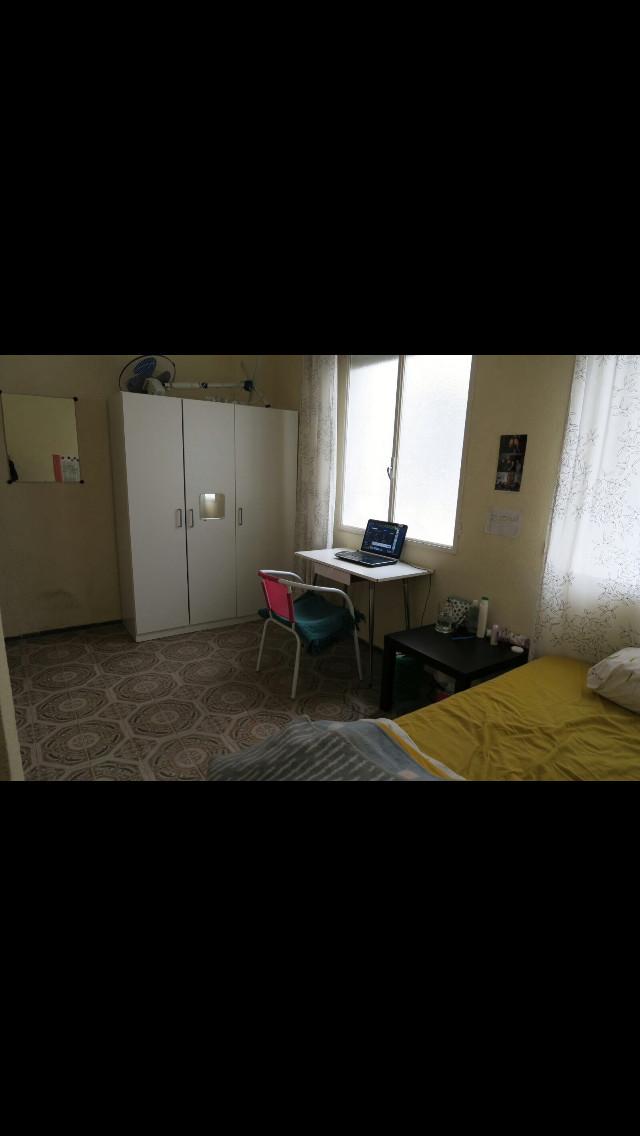 Habitaci n en piso muy amplio en el barrio de nervi n for Pisos xativa 9 d octubre xativa