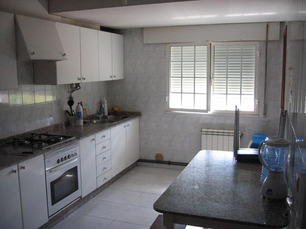 Habitaciones en piso compartido exteriores luminosas for Alquiler de habitacion en piso compartido