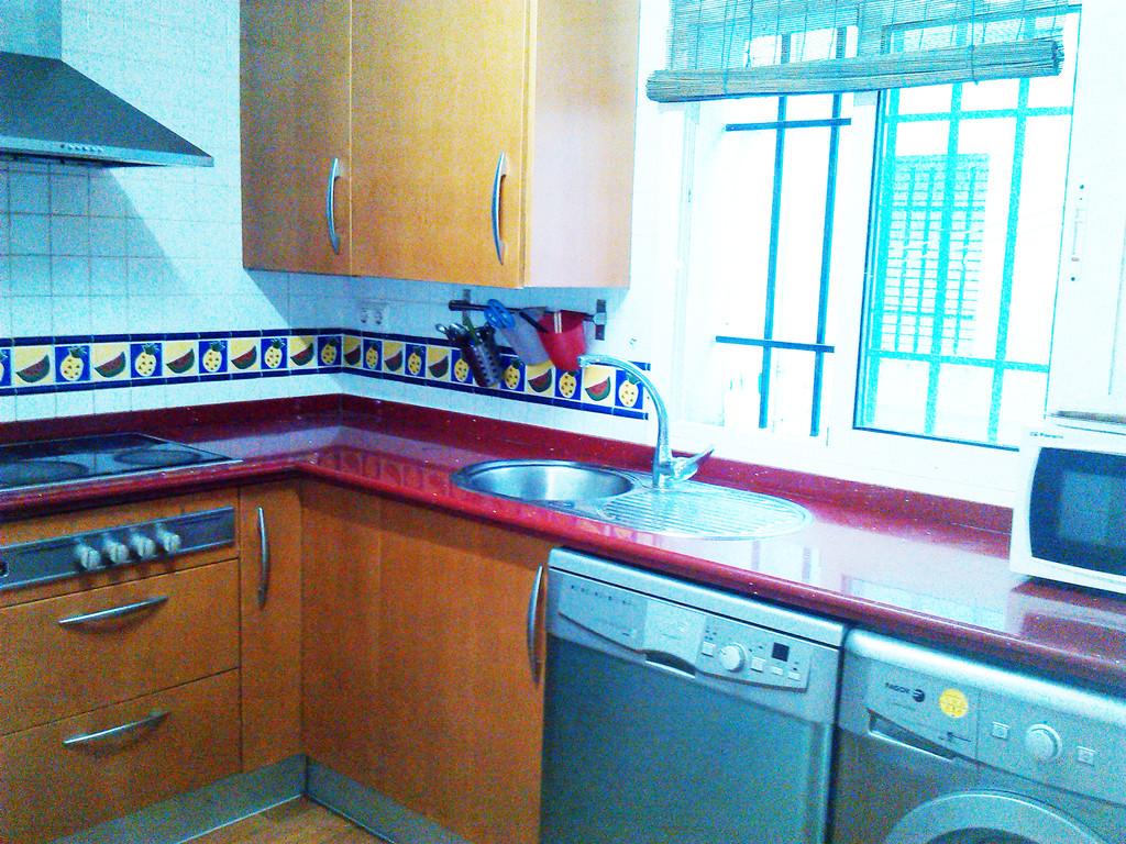 Piso de 4 habitaciones en sevilla flat rent sevilla for Habitaciones cuadruples en sevilla