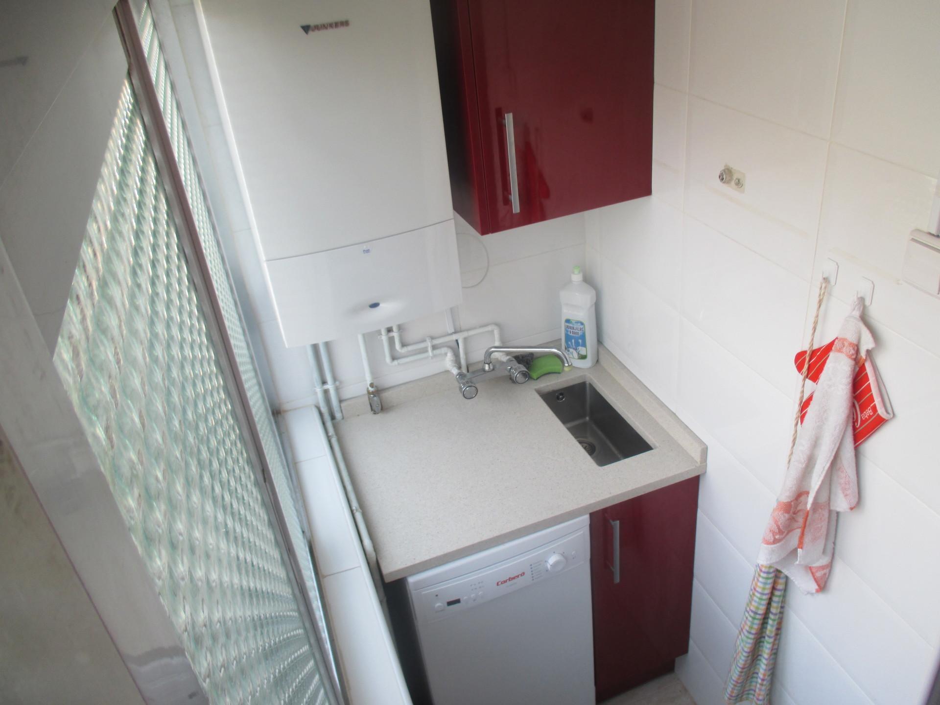 Piso barato en madrid chica limpia y tranquila alquiler habitaciones madrid - Alquiler pisos en madrid baratos ...