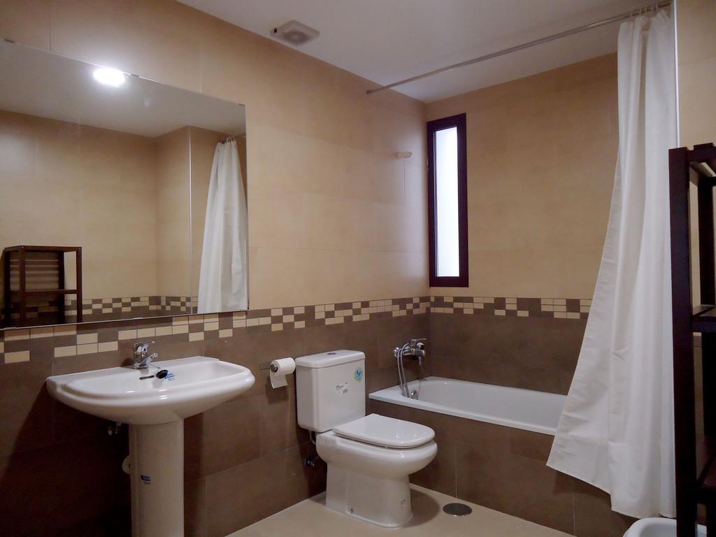 Baño Para Dormitorio:Piso Nueva Construccion De 3 Dormitorios Y 2 Baños Amueblado A
