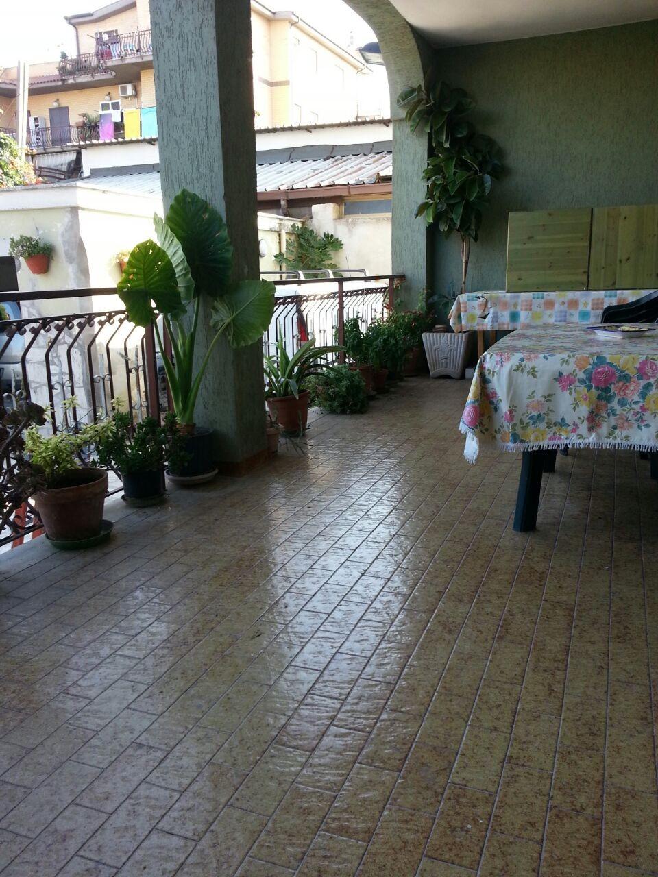 Stanza con letto matrimoniale a roma stanza in affitto roma for Affitto stanza avvocato roma