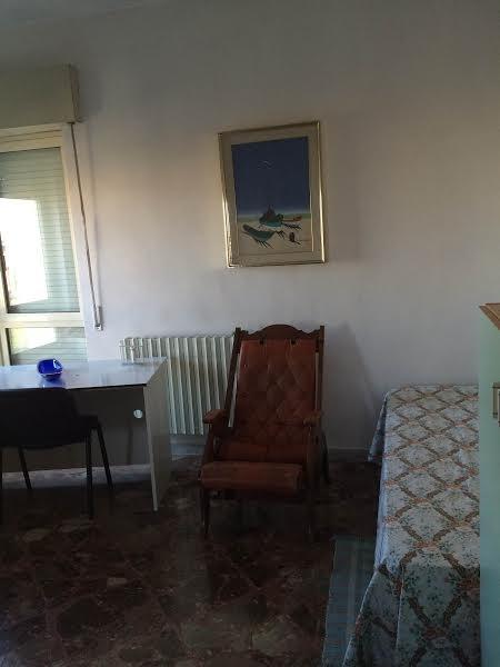 Stanza singola balconata per ragazza da luglio in for Stanze in affitto bari