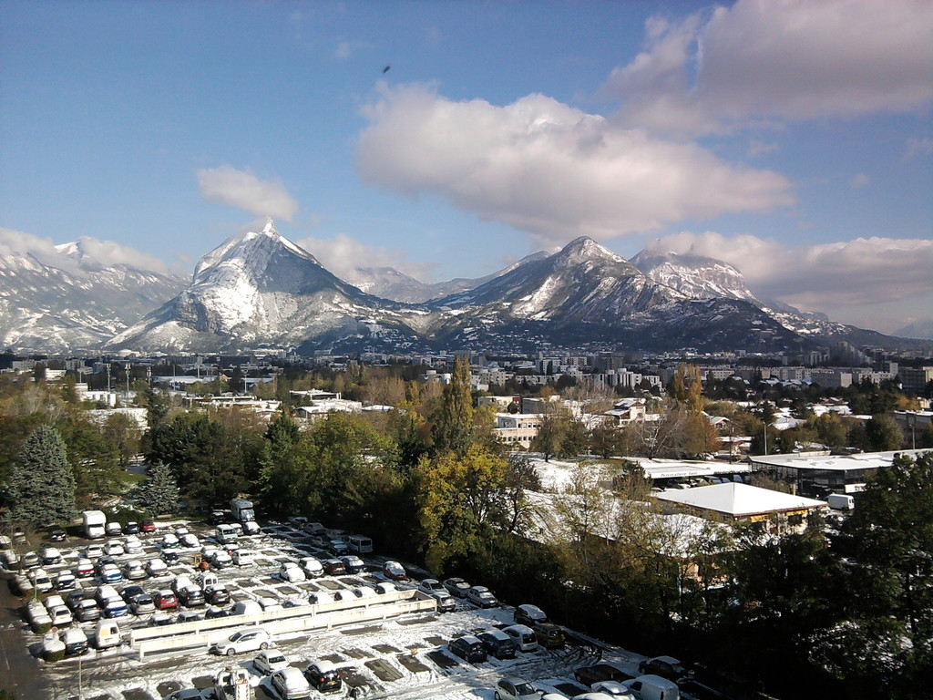 Sunny Room To Rent In Grenoble Non Smoking Flat