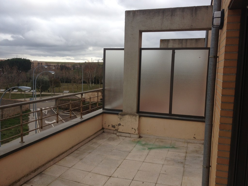 Sunny and wonderful view of salamanca in a 52m2 appartment for 400 university terrace