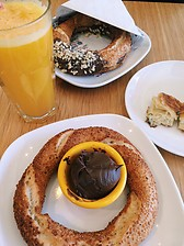 Simit and portakal suyu