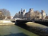 Walking to Notre Dame