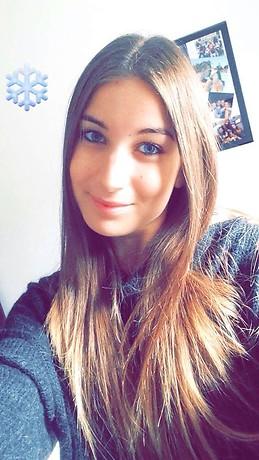 Chica de 20 anos busca alojamiento en malaga compartir for Busco piso para compartir en malaga