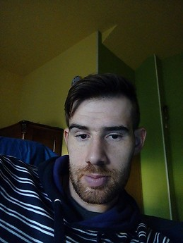 chico busca chico en oviedo espana
