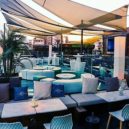 Skyline Restaurant & club