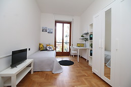Camera Da Letto Matrimoniale A Varese.Student Housing And Accommodation For Students Varese Italy