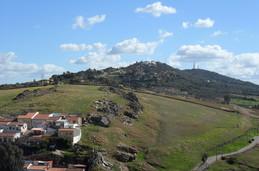 Santuario de la Montaña (a lo lejos)
