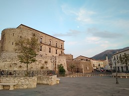 Castle Macchiaroli - Teggiano