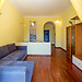 Bright 1 Bedroom Apart. on the YELLOW LINE
