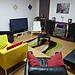 Dois quartos lindo, confortável numa casa com SALA, TV, SOFA e Jardim