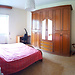 Bright and comfortable single room (2 mins to subway!)