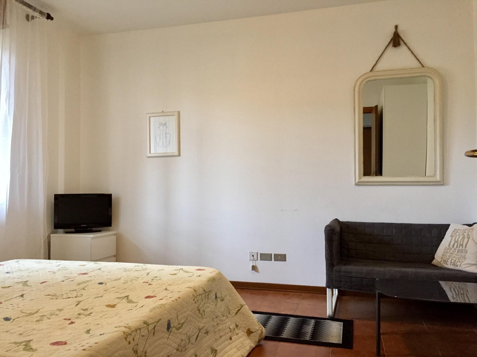 Letto Matrimoniale A Udine.Se Alquila Piso De 3 Habitaciones En Udine Se Admiten Mascotas Y