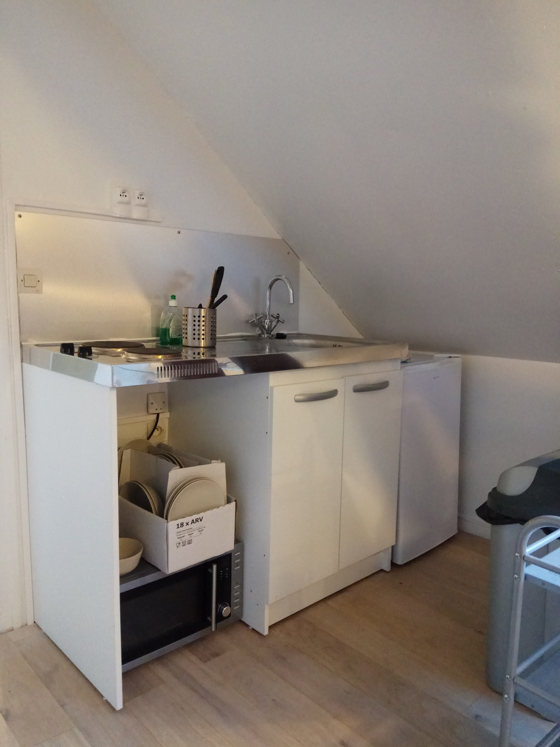 Astounding Student S Studio Available To Rent In Caen With Storage Area