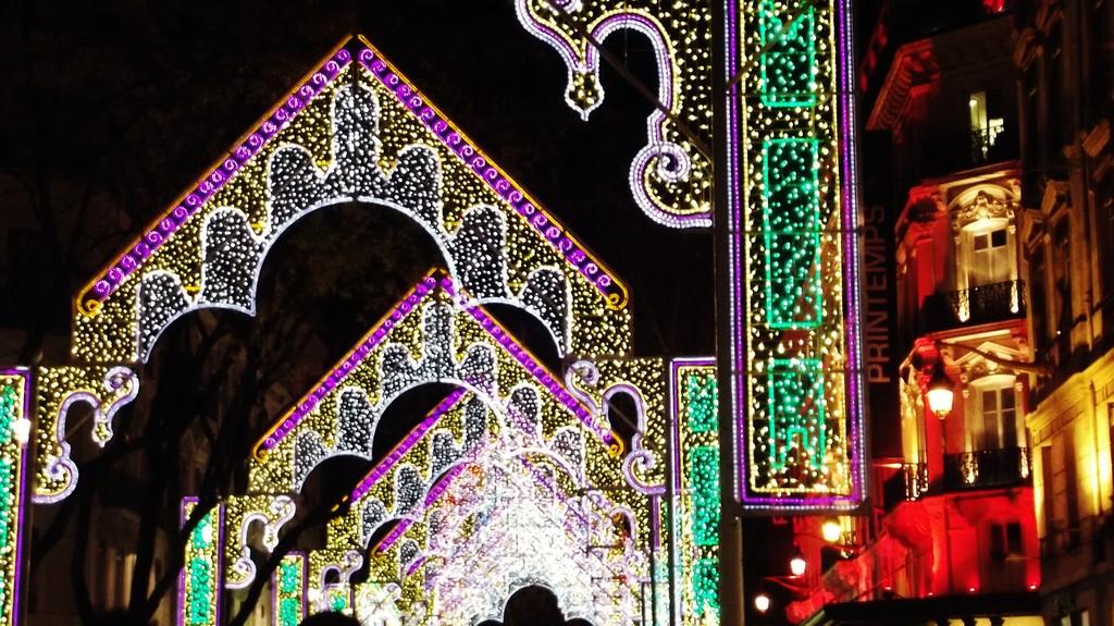 071212-an-illuminated-weekend-lyon-fete-