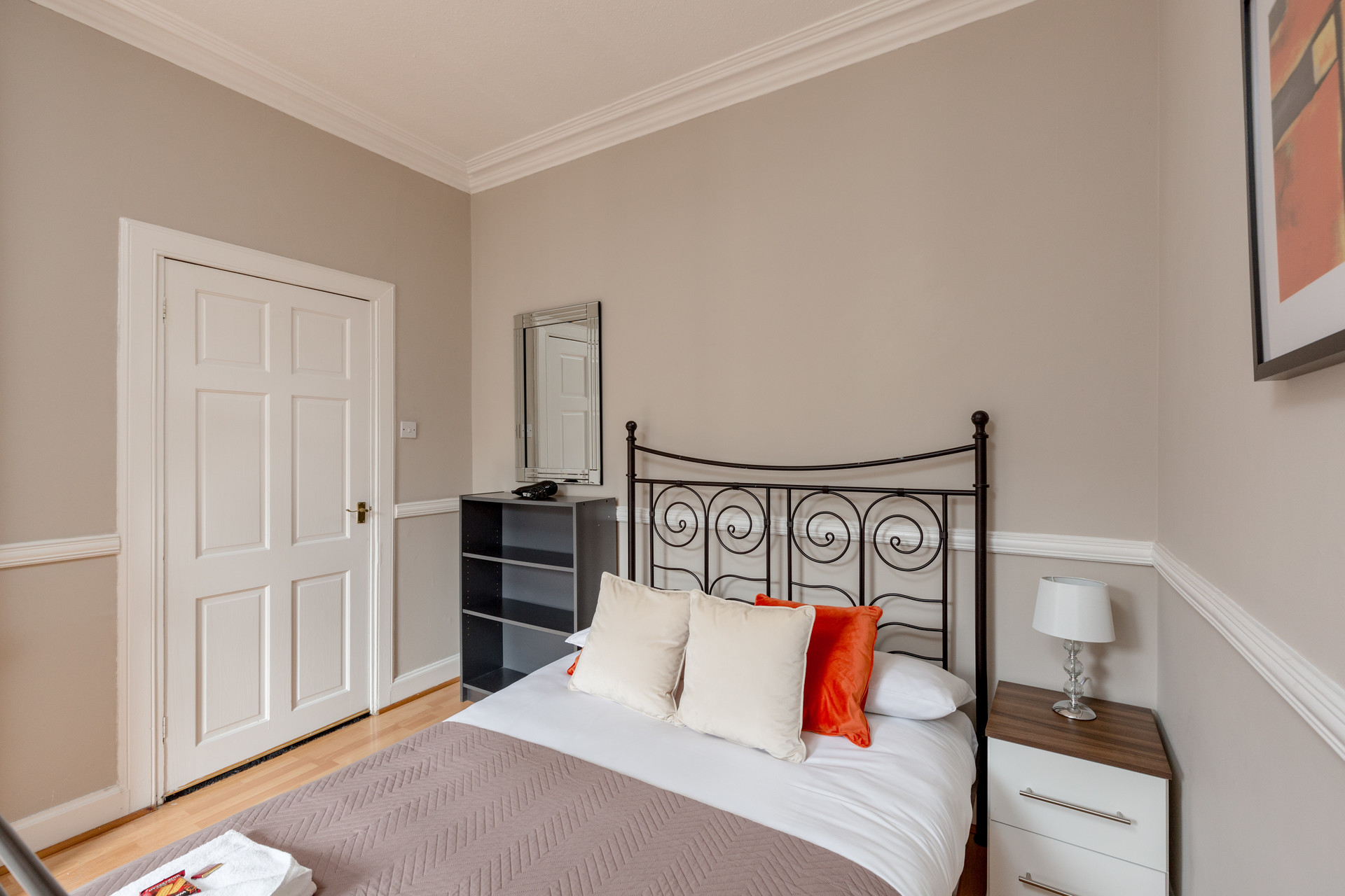 1 bedroom apartment available in january on st leonard 39 s. Black Bedroom Furniture Sets. Home Design Ideas