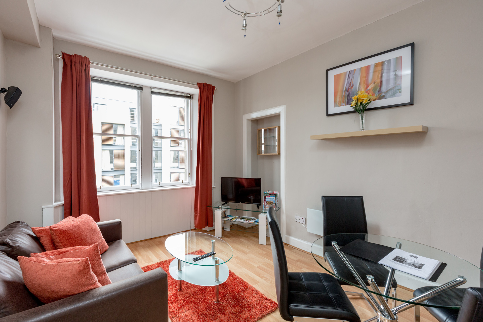1 Bedroom Apartment Available In January On St Leonard S Street Newington Edinburgh 6