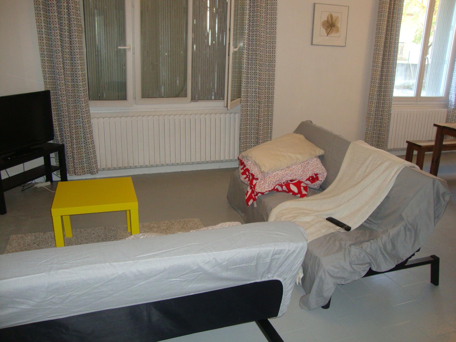 1 chambre dans villa de 100 m2 avec piscine