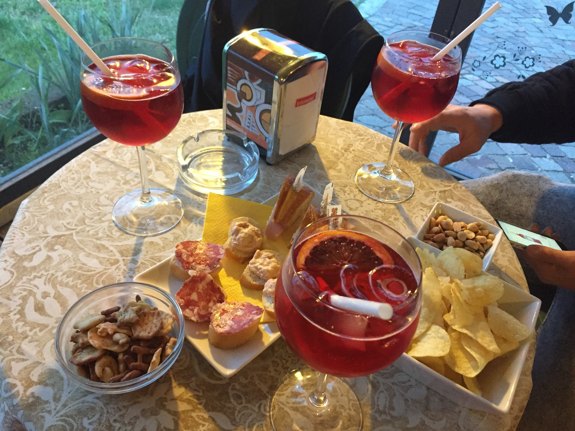 10-drinks-try-italy-f2292cf3701f4059ff9b
