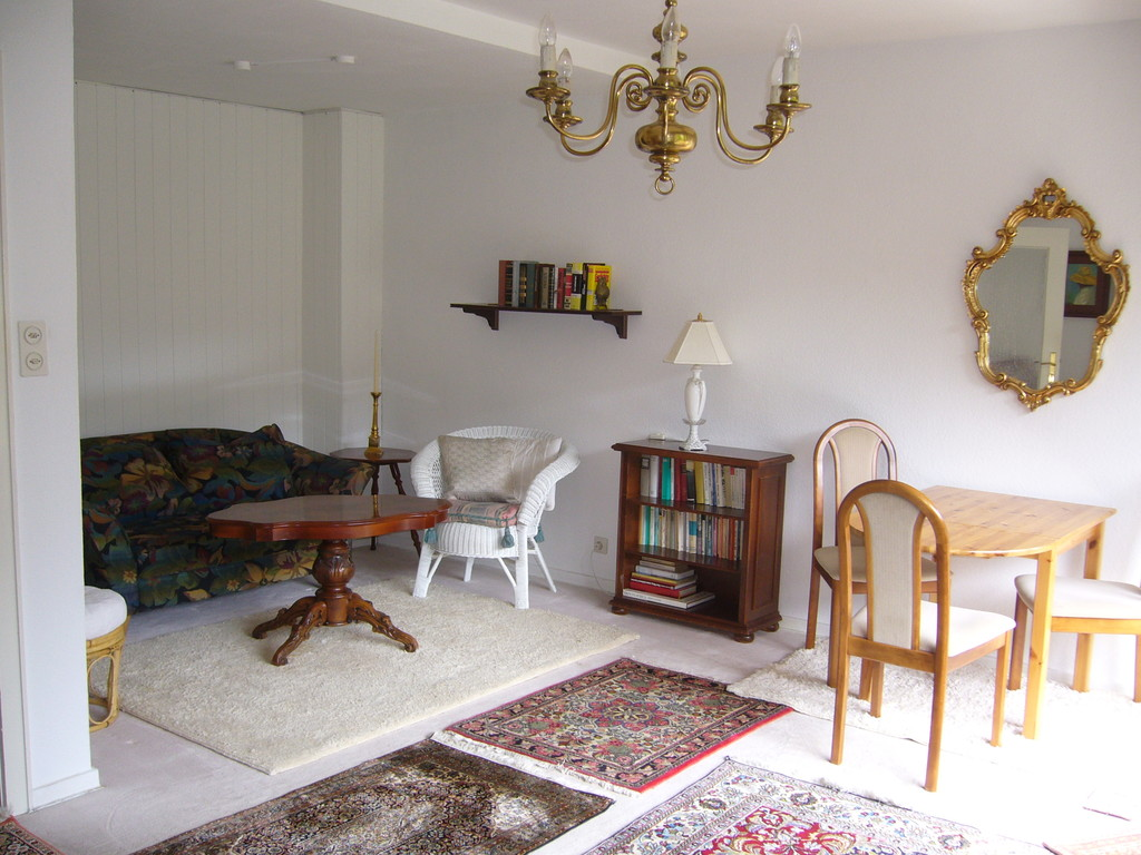 ... 10 M2 Room In Completely Furnished House For 3 Girls (Hamburg Ra ...
