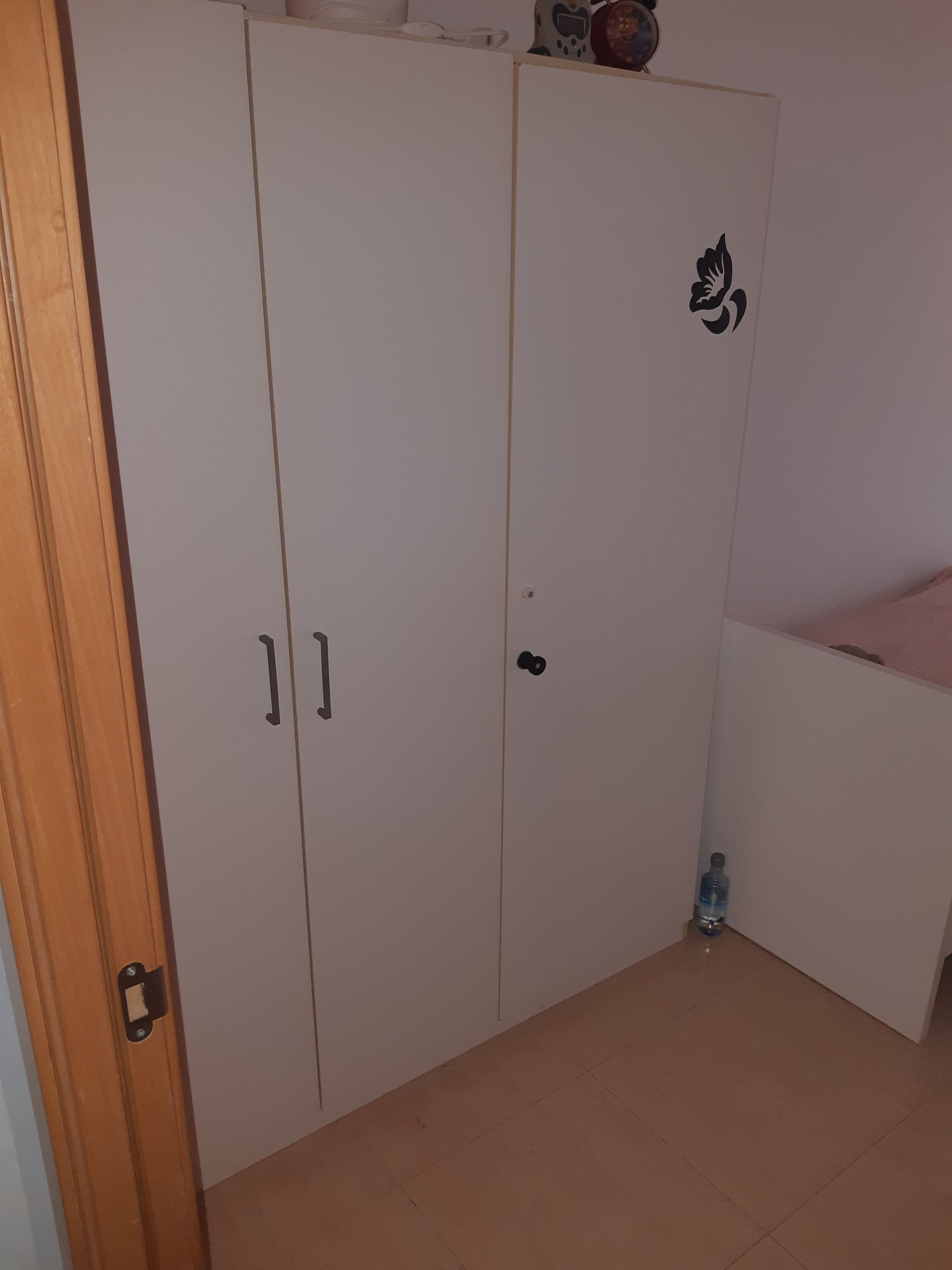 Room For Rent In 2 Bedroom Apartment In Barcelona Girls Only And Pets Allowed
