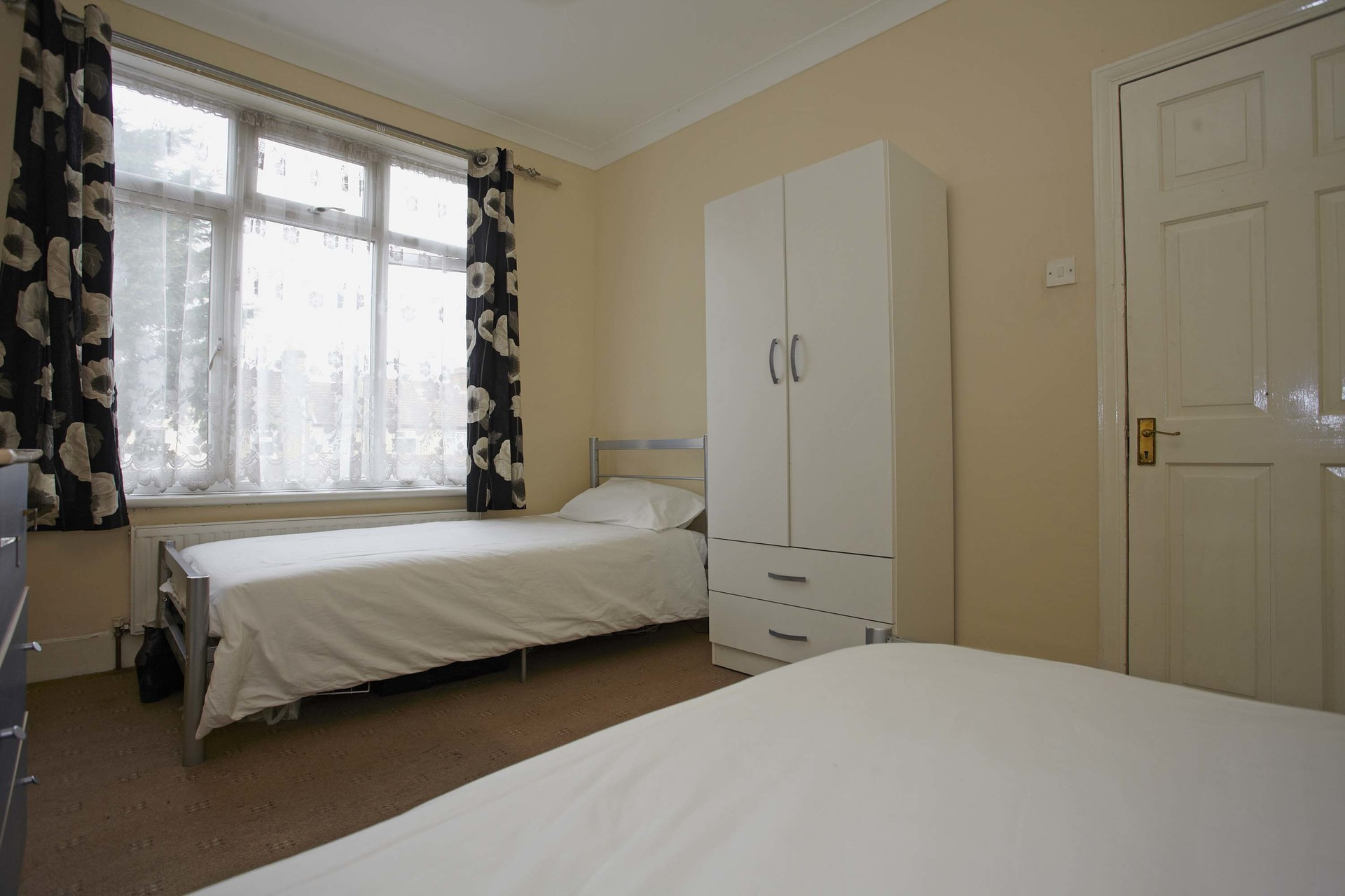 110-amazing-twin-room-in-london-770d595181eb7296f90da5013c3adbd0