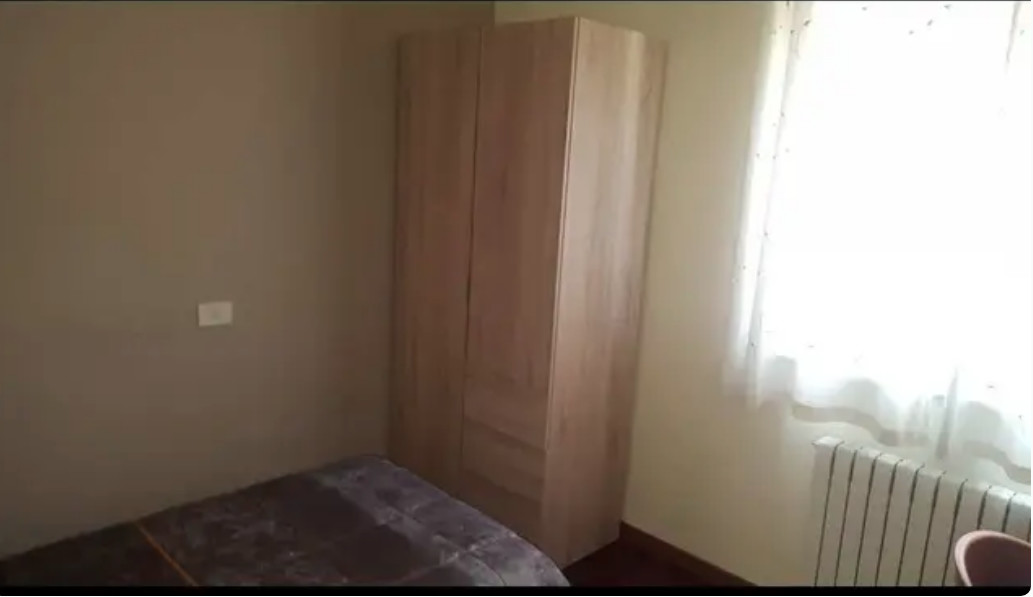 Habitación en piso muy cuidado y tranquilo, todo i