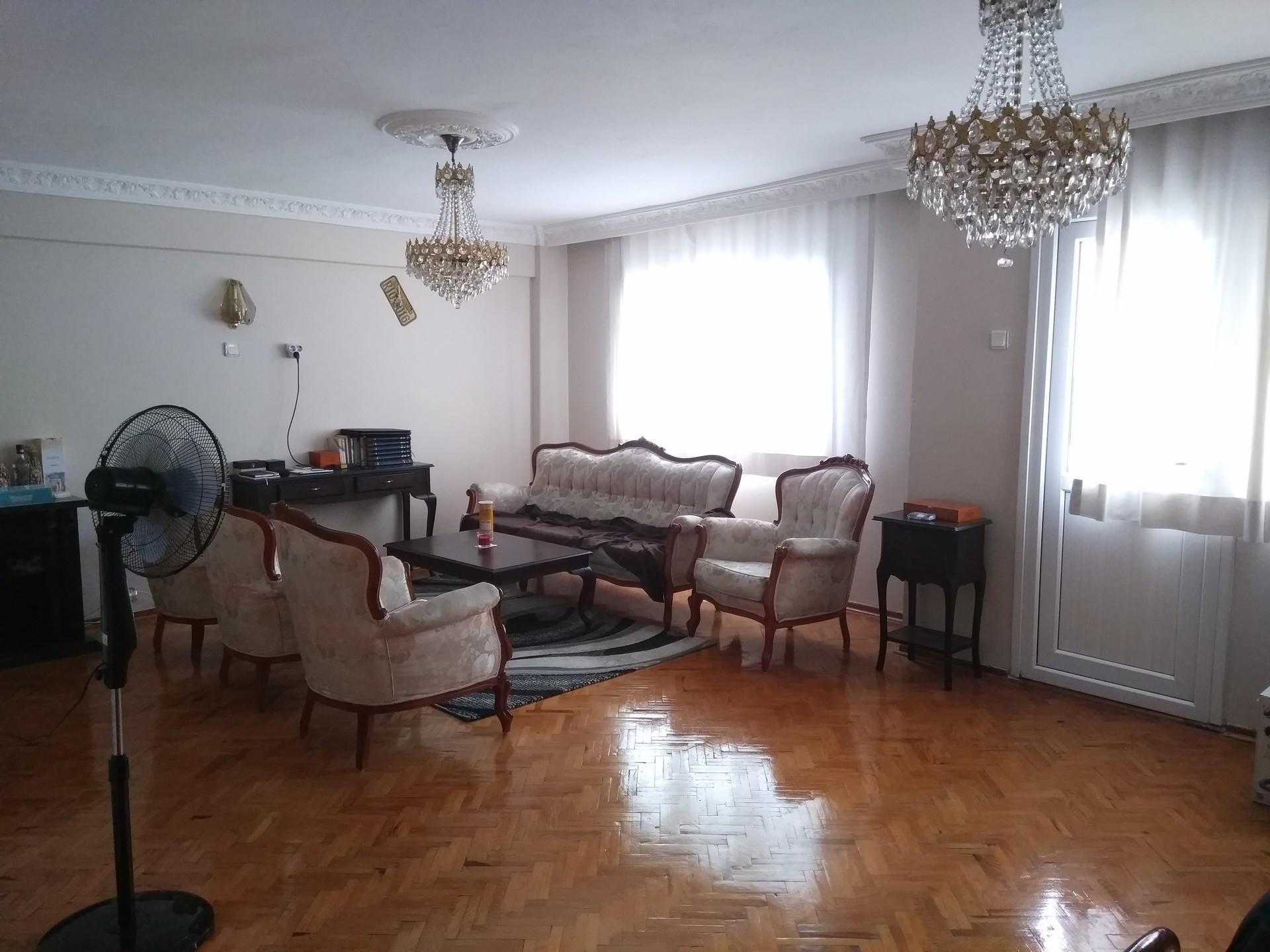 130 qm mit 60qm wohnzimmer und balkon zimmer zu