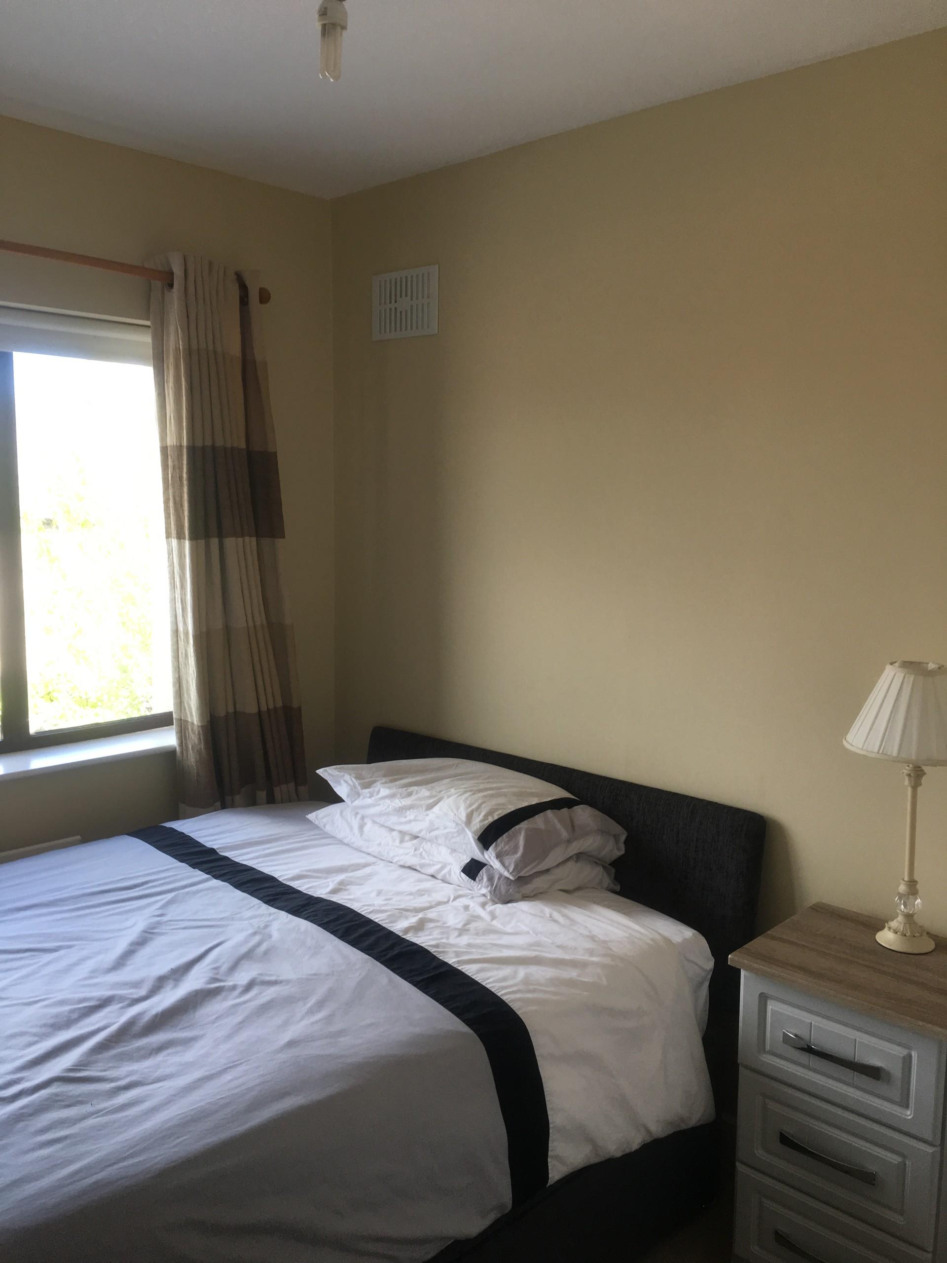 2-beautiful-large-double-bed-rooms-b095b9fe7fef15e1c2b25bee0207ba40