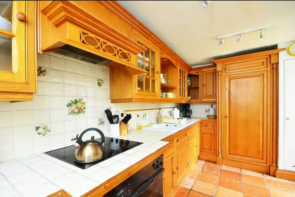 2 bedroom flat to rent on street Brompton Rd  London SW3 2BB. 2 bedroom flat to rent on street Brompton Rd  London SW3 2BB