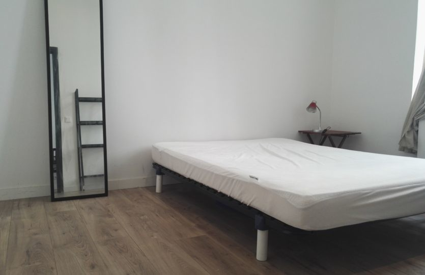 2 bedrooms bright flat in Lille center