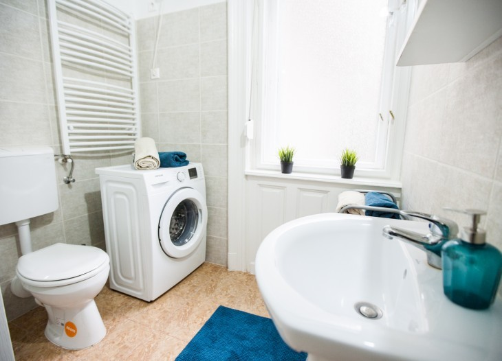 2-bedrooms-flat-near-corvin-e068e4e2dab3665ed50fd1bc32ab4554
